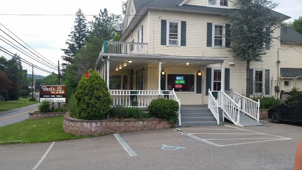 Barts Bar and Grill - restaurant  | Photo 3 of 10 | Address: 3363 PA-715, Reeders, PA 18352, USA | Phone: (570) 629-1210