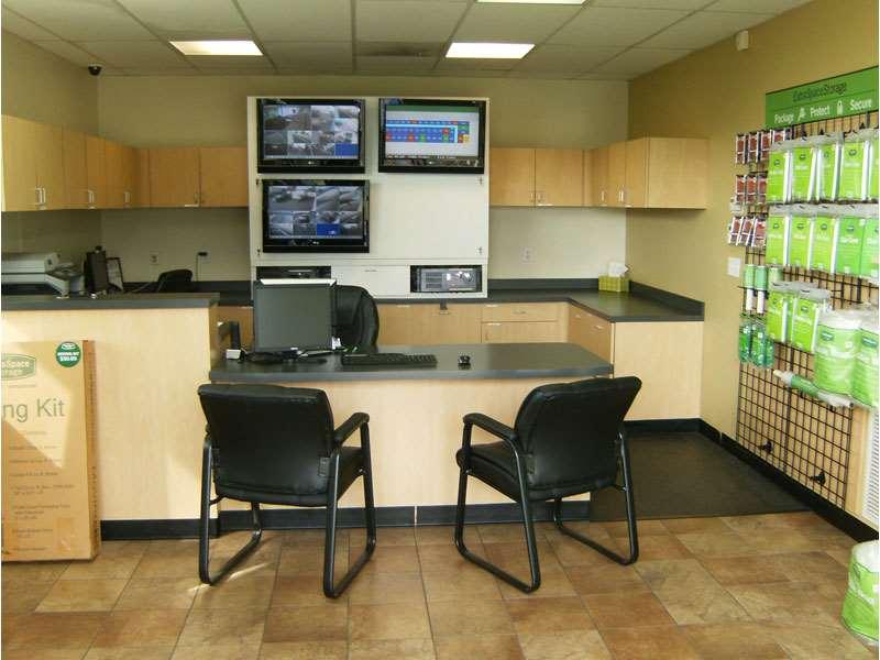 Extra Space Storage - moving company  | Photo 10 of 10 | Address: 11701 Slauson Ave, Santa Fe Springs, CA 90670, USA | Phone: (562) 945-2007