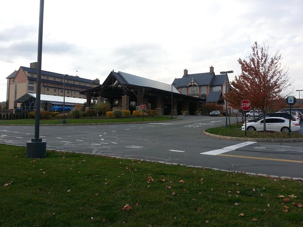 Mount Airy Casino Resort - lodging    Photo 8 of 10   Address: 312 Woodland Rd, Mt Pocono, PA 18344, USA   Phone: (877) 682-4791
