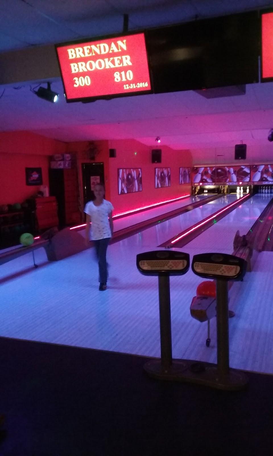 Lake Street Lanes - bowling alley  | Photo 10 of 10 | Address: 10 Lake St, New Berlin, NY 13411, USA | Phone: (607) 847-8594