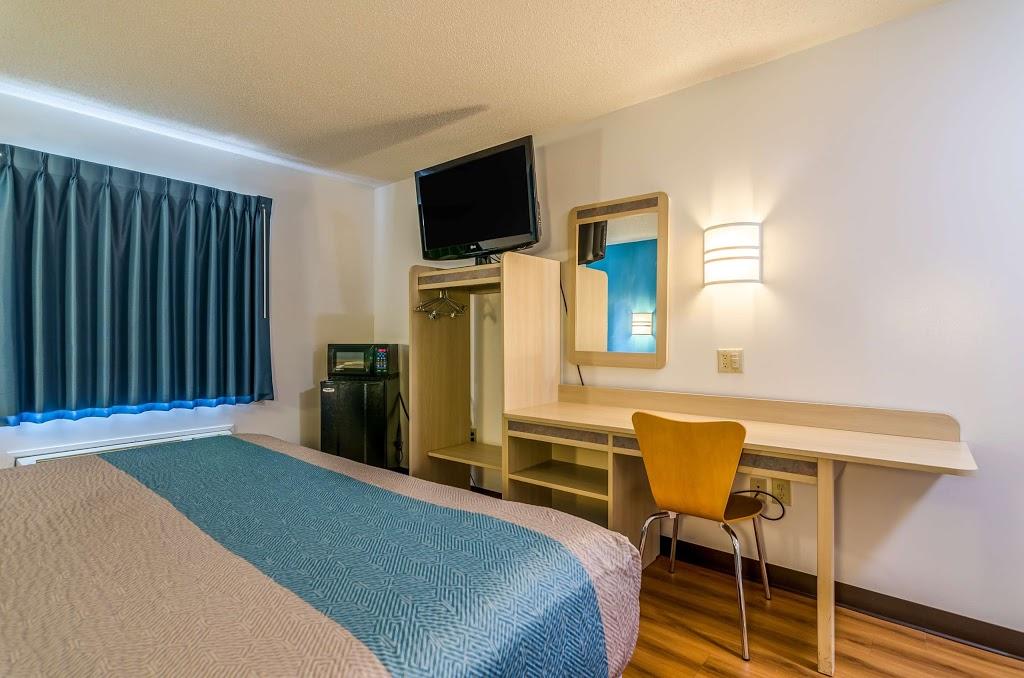 Motel 6 Gordonville - lodging    Photo 8 of 10   Address: 2959 Lincoln Hwy E, Gordonville, PA 17529, USA   Phone: (717) 687-3880