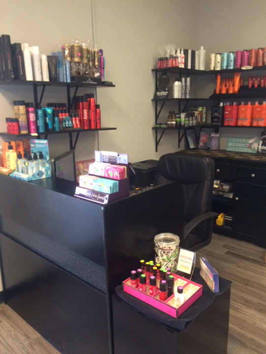 Deenas Hairstyling - hair care  | Photo 3 of 8 | Address: 3872 IN-10, Wheatfield, IN 46392, USA | Phone: (219) 956-4774