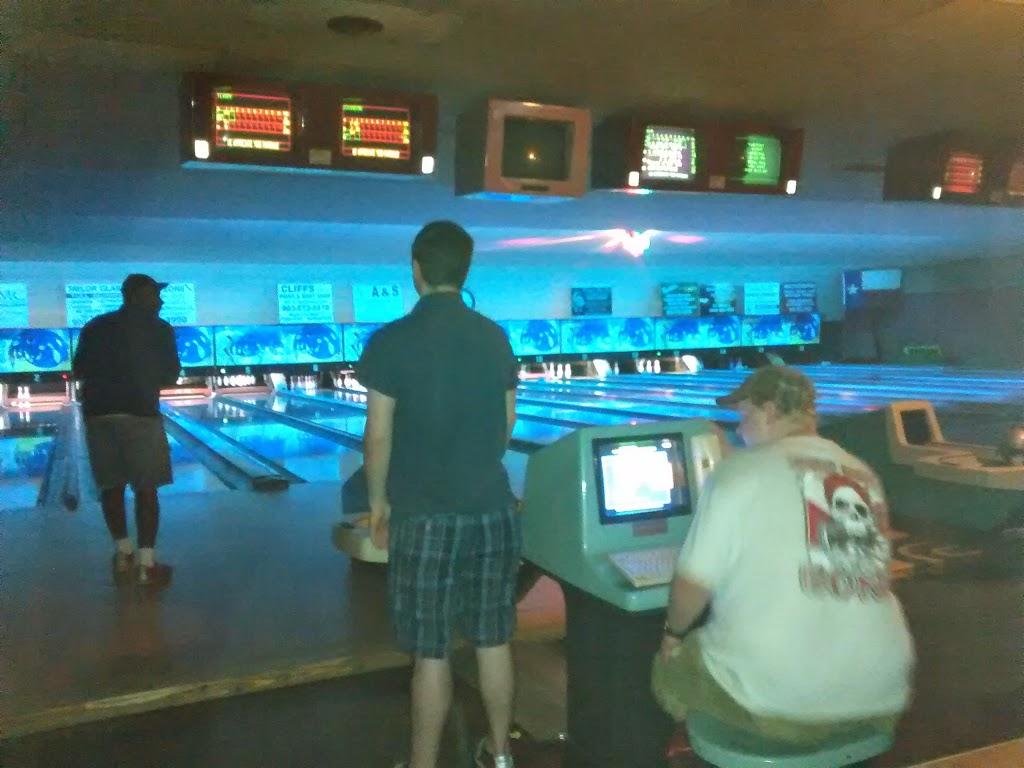 Pleasant Bowl - bowling alley  | Photo 7 of 10 | Address: 754 E 16th St, Mt Pleasant, TX 75455, USA | Phone: (903) 572-0347