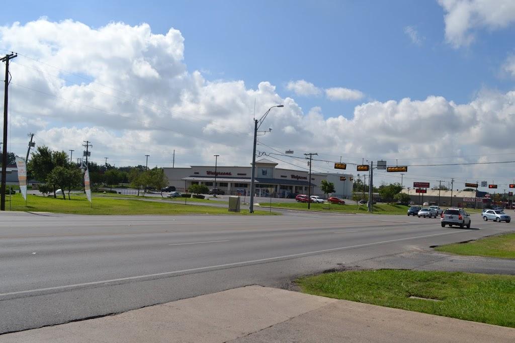 Walgreens - clothing store  | Photo 6 of 8 | Address: 1610 N Main St, Taylor, TX 76574, USA | Phone: (512) 352-3469