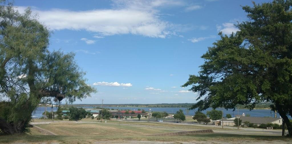 RB Golf Club and Resort - restaurant  | Photo 6 of 10 | Address: 400 Half Moon Way, Runaway Bay, TX 76426, USA | Phone: (940) 575-2225