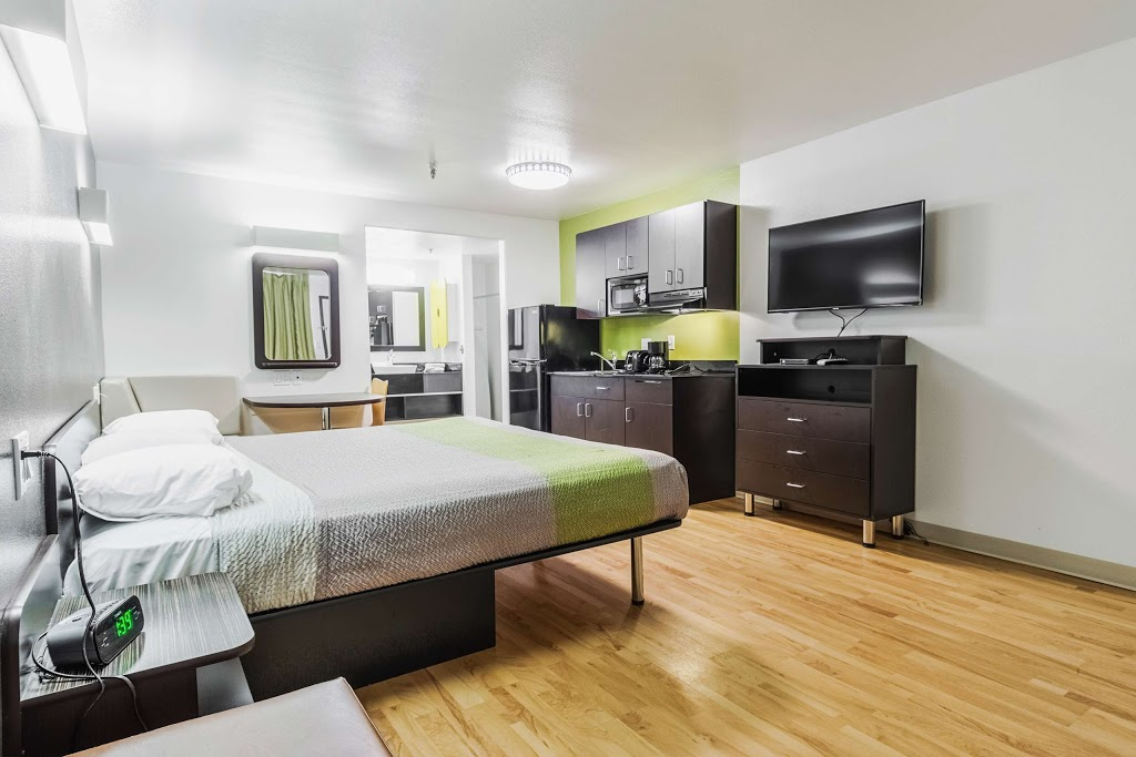 Studio 6 Victorville - Apple Valley - lodging  | Photo 8 of 10 | Address: 16868 Stoddard Wells Rd, Victorville, CA 92394, USA | Phone: (760) 596-4000