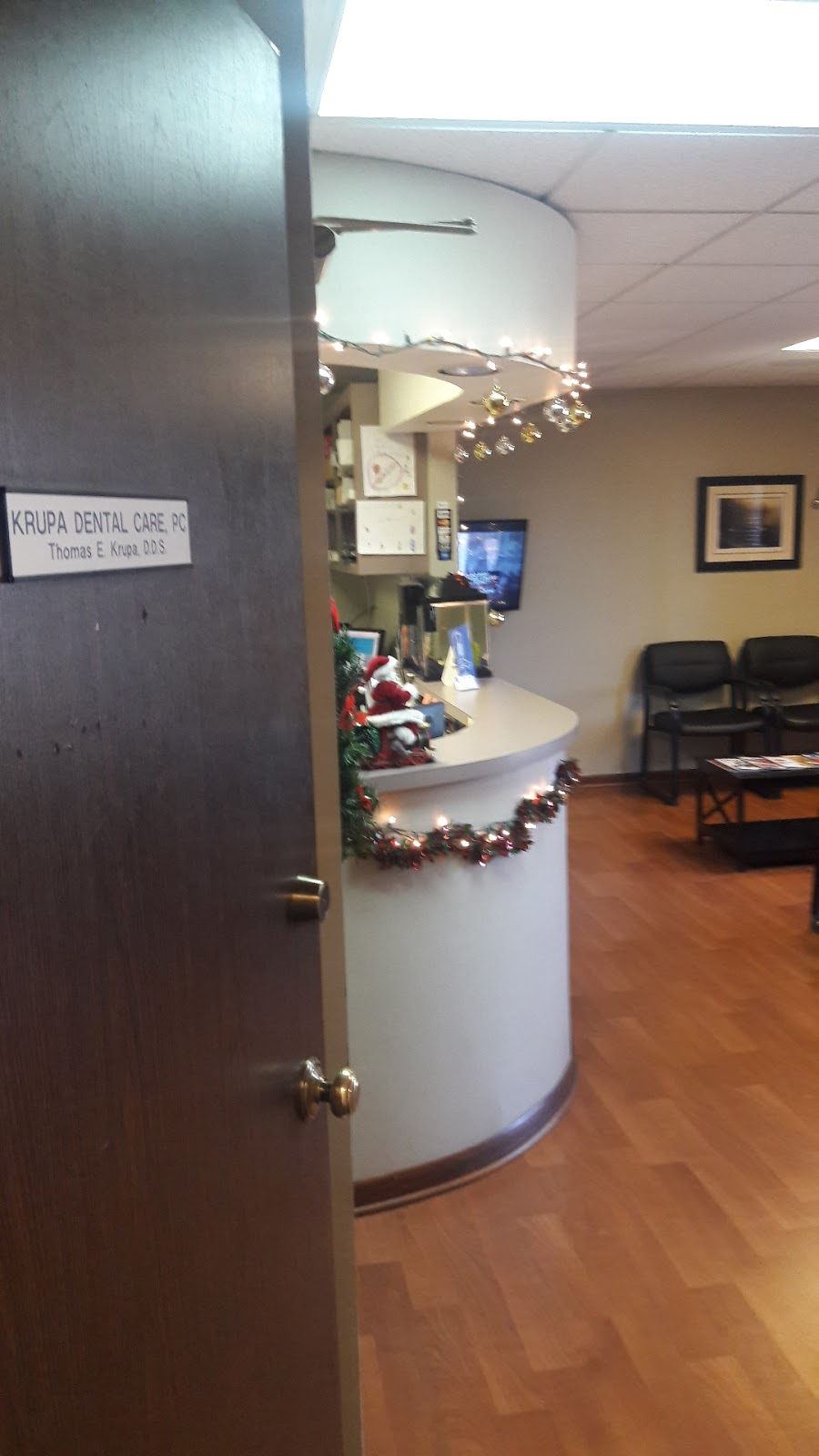 Krupa Dental Care - dentist    Photo 2 of 7   Address: 8240 Wolf Rd, Willow Springs, IL 60480, USA   Phone: (708) 839-5529