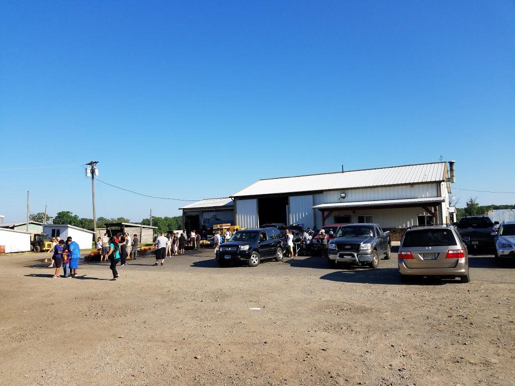 Dey Farm at Oliveira Acres - store  | Photo 6 of 10 | Address: 215 Dey Rd, Cranbury, NJ 08512, USA | Phone: (609) 395-0232