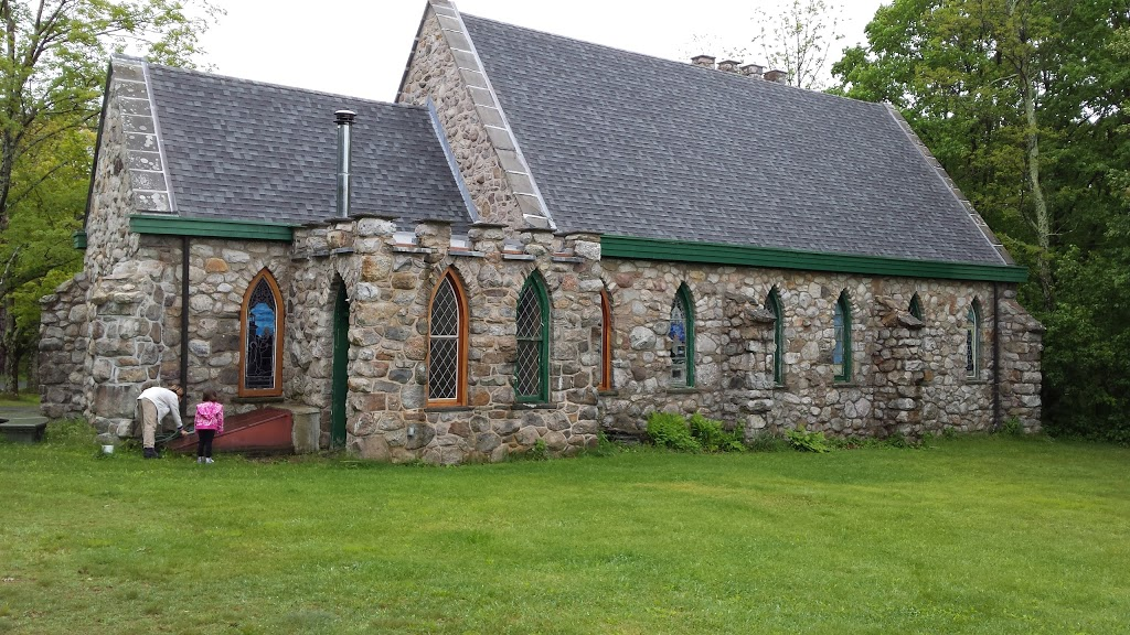Cragsmoor Stone Church - church  | Photo 8 of 10 | Address: 280 Henry Rd, Cragsmoor, NY 12420, USA