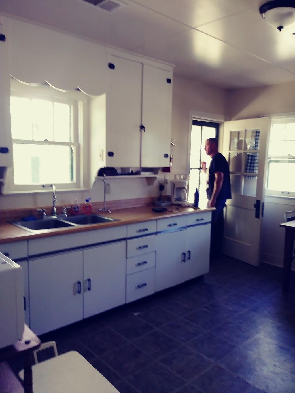 Sycamore Cabin - lodging  | Photo 3 of 10 | Address: Prescott National Forest Yavapai County AZ, Prescott, AZ 86305, USA