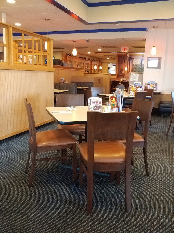 Carrows Restaurants - restaurant    Photo 6 of 10   Address: 19011 Bloomfield Ave, Cerritos, CA 90703, USA   Phone: (562) 865-1316
