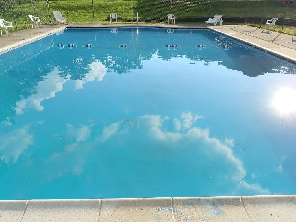 EconoStay Inn - lodging  | Photo 3 of 10 | Address: 209 Kestrel Dr, Mt Pocono, PA 18344, USA | Phone: (570) 243-4600