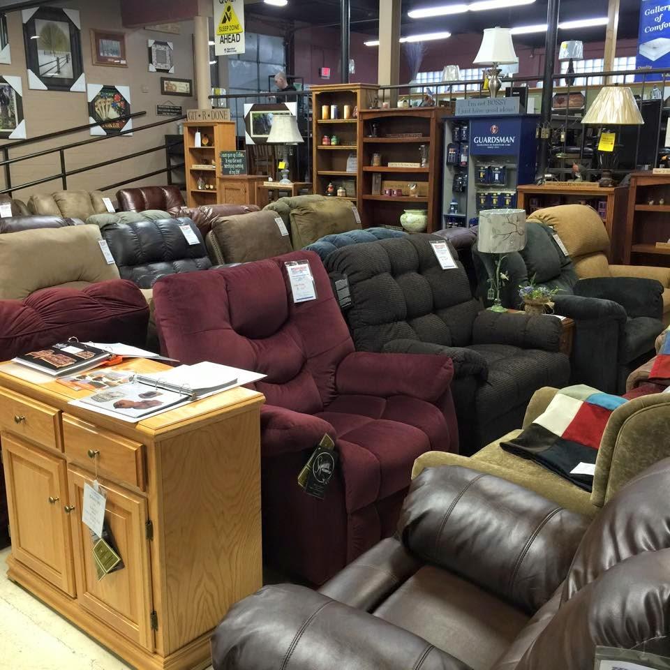 American Wholesale Furniture and Mattress - furniture store  | Photo 7 of 7 | Address: 905 Madison Ave, Fort Atkinson, WI 53538, USA | Phone: (920) 563-6300