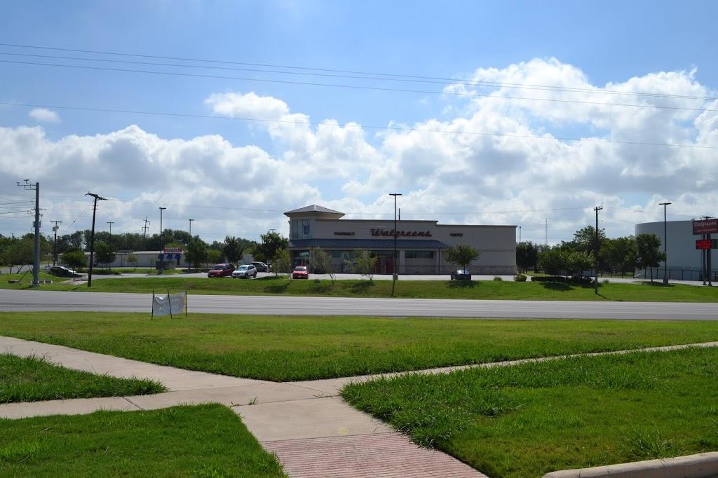 Walgreens - clothing store  | Photo 5 of 8 | Address: 1610 N Main St, Taylor, TX 76574, USA | Phone: (512) 352-3469