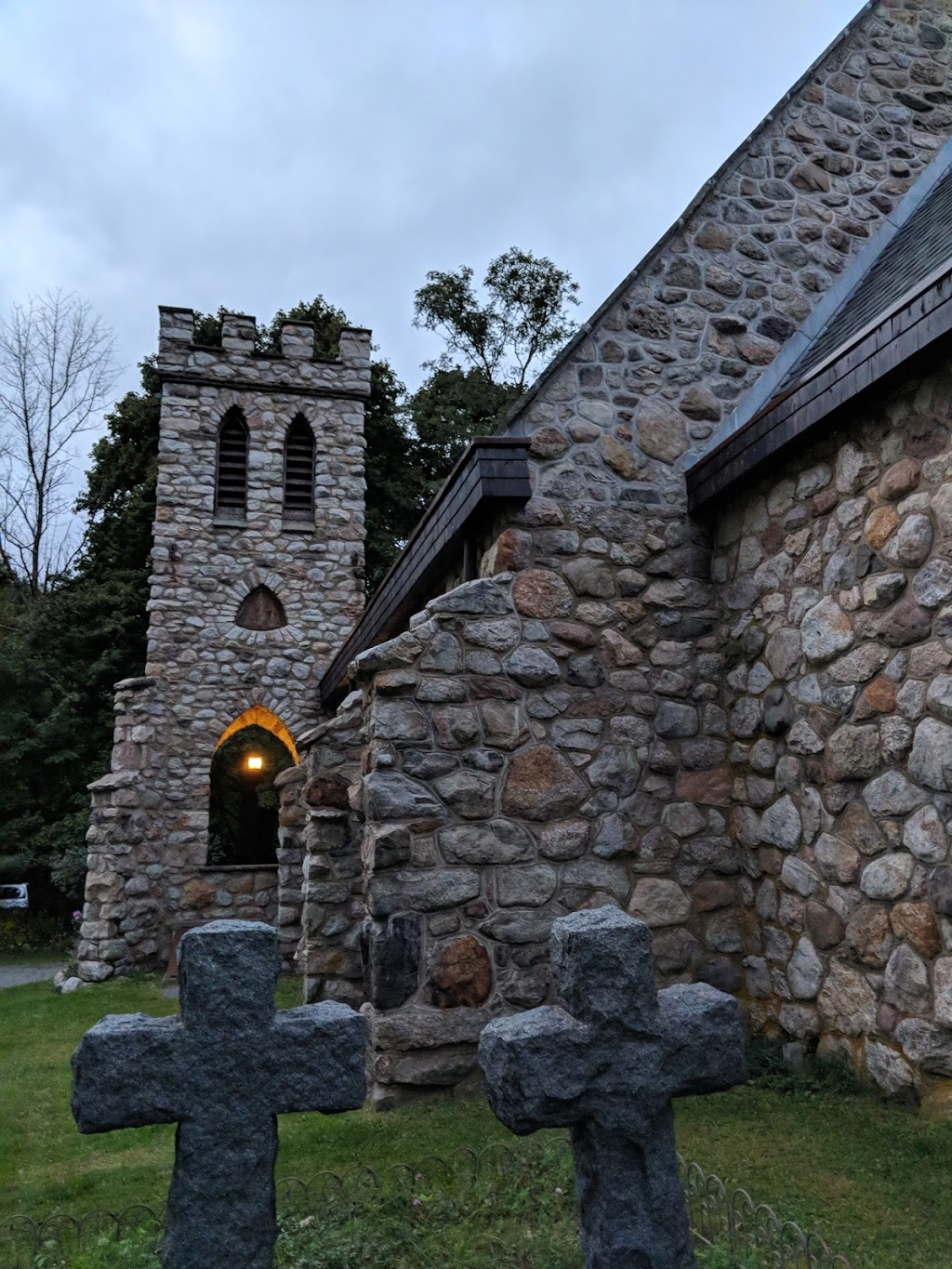Cragsmoor Stone Church - church  | Photo 3 of 10 | Address: 280 Henry Rd, Cragsmoor, NY 12420, USA