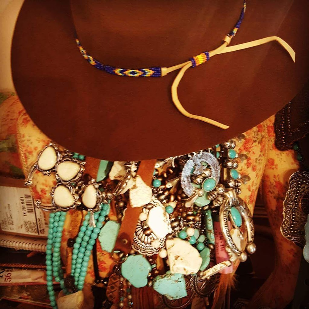 HEART OF AN OUTLAW - clothing store  | Photo 4 of 10 | Address: 7681 FM 751, Wills Point, TX 75169, USA | Phone: (214) 886-6953