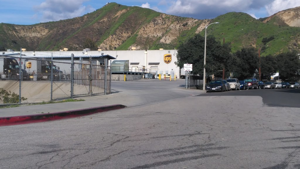 UPS Sylmar - store    Photo 3 of 10   Address: 12745 Arroyo St, Sylmar, CA 91342, USA   Phone: (800) 742-5877