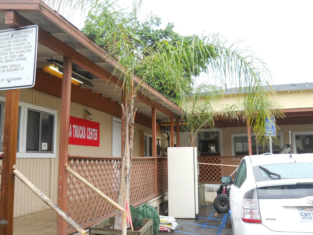 LA TRUCKS CENTER - car repair  | Photo 7 of 10 | Address: 965 W Washington Blvd, Los Angeles, CA 90015, USA | Phone: (213) 748-8686