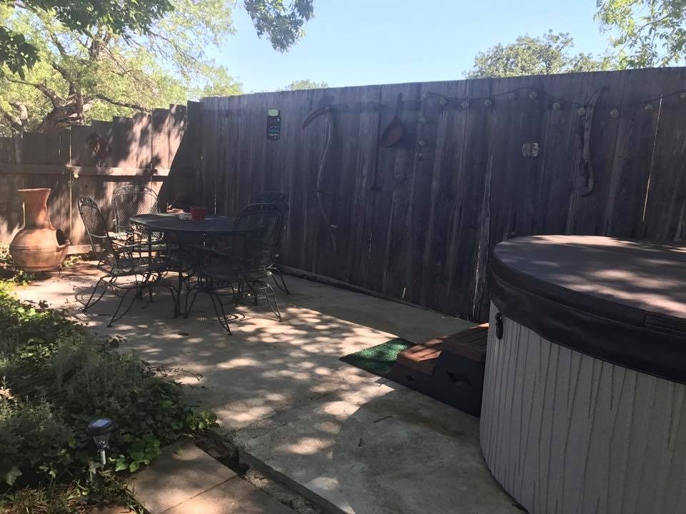 Country Quiet Guesthouse - lodging    Photo 7 of 10   Address: 579 Quiet Dr, Fredericksburg, TX 78624, USA   Phone: (830) 997-5612