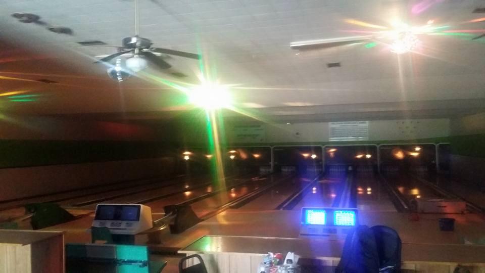 Delavan Bowling Lanes - bowling alley  | Photo 3 of 3 | Address: 220 E 5th St, Delavan, IL 61734, USA | Phone: (309) 244-7228
