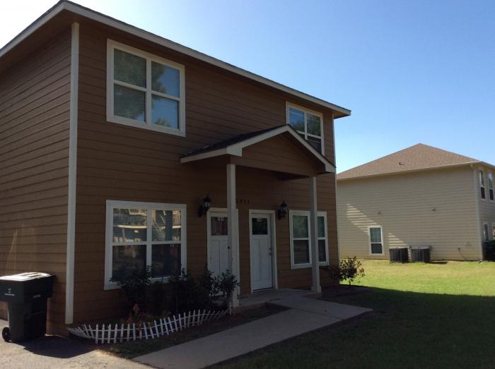 Barham Properties - real estate agency    Photo 10 of 10   Address: 924 N University Dr, Nacogdoches, TX 75961, USA   Phone: (936) 559-7304