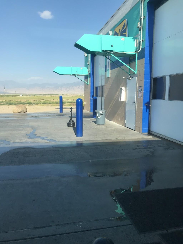 Blue Beacon Truck Wash of Wheeler Ridge, CA - car wash    Photo 9 of 10   Address: 5831 Santa Elena Dr I-5 Exit, 219A, Arvin, CA 93203, USA   Phone: (661) 858-2090