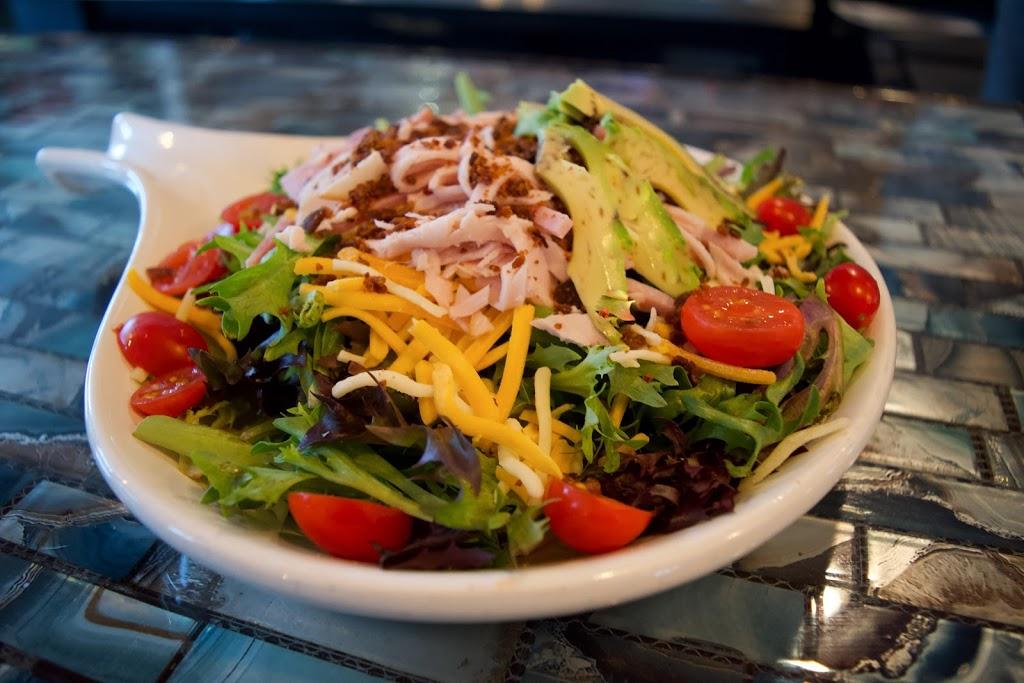 Beachside Billys - restaurant  | Photo 5 of 10 | Address: 16107 FM2769, Volente, TX 78641, USA | Phone: (512) 258-5110