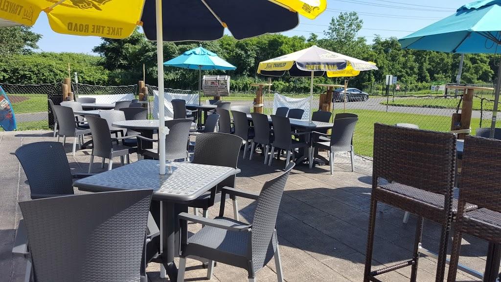 Beach House Grill - restaurant  | Photo 5 of 10 | Address: 1 Dorne Dr, Stratford, CT 06615, USA | Phone: (203) 612-7134