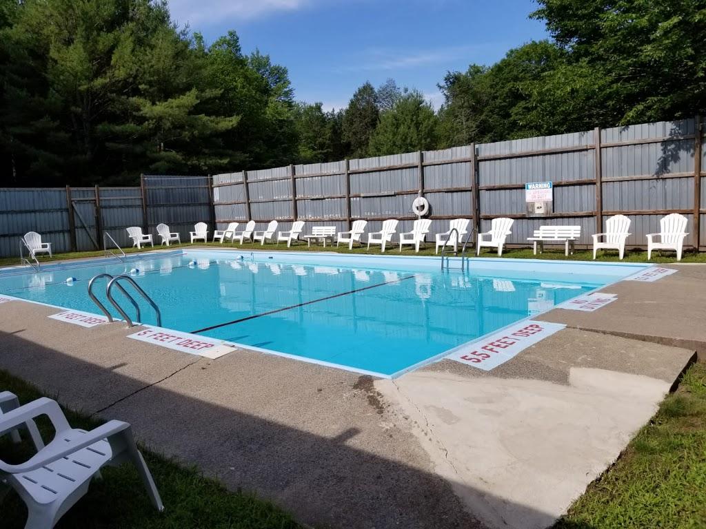 Koson Bungalows - lodging  | Photo 2 of 10 | Address: 389 Riverside Dr, Fallsburg, NY 12733, USA | Phone: (845) 436-8021