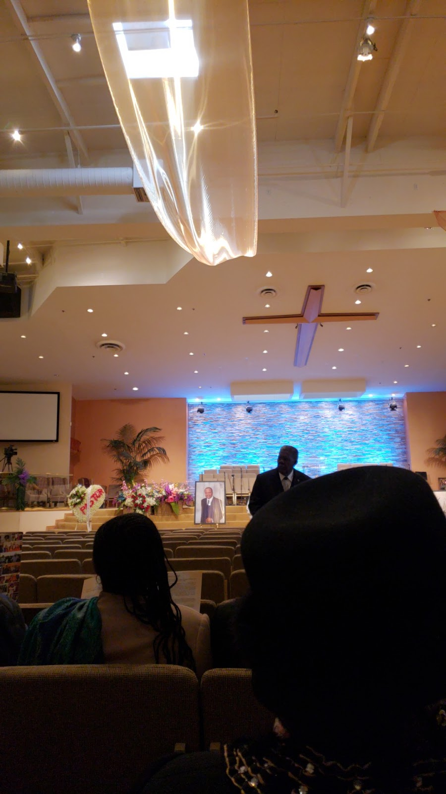 Love & Unity Christian Fellowship - church  | Photo 10 of 10 | Address: 1840 S Wilmington Ave, Compton, CA 90220, USA | Phone: (310) 604-5900