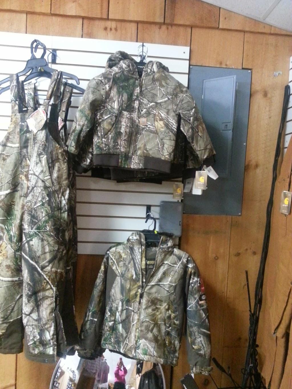 Gumpys Creekside Cabin - shoe store  | Photo 3 of 10 | Address: 2861 PA-42, Millville, PA 17846, USA | Phone: (570) 458-5131