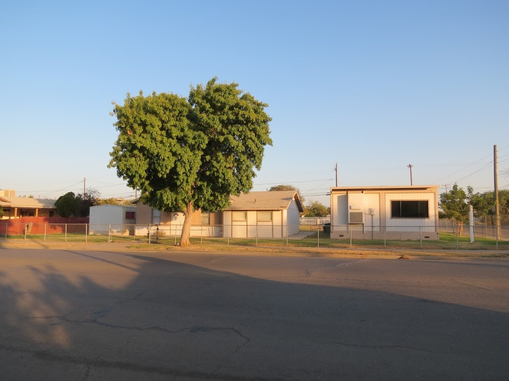 Leos Auto Parts Inc - car repair  | Photo 1 of 2 | Address: 16959 11th St, Huron, CA 93234, USA | Phone: (559) 945-2704