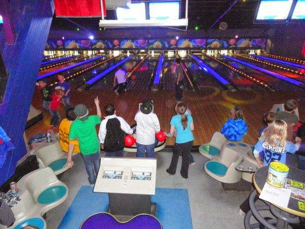 Wildwood Bowling Center - bowling alley  | Photo 3 of 10 | Address: 3951 Lake Ave, Riverhead, NY 11901, USA | Phone: (631) 727-6622