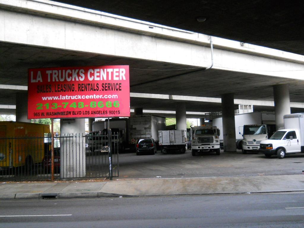 LA TRUCKS CENTER - car repair  | Photo 6 of 10 | Address: 965 W Washington Blvd, Los Angeles, CA 90015, USA | Phone: (213) 748-8686