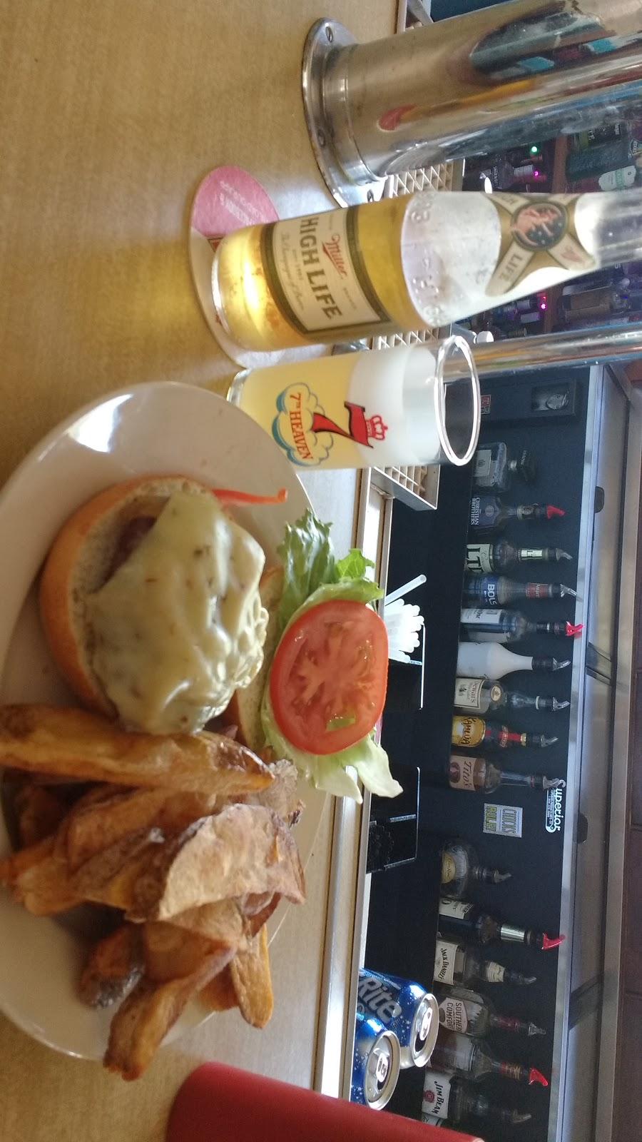 Bridgeport Inn - restaurant  | Photo 8 of 10 | Address: 42411 N Converse Rd, Antioch, IL 60002, USA | Phone: (847) 395-7840