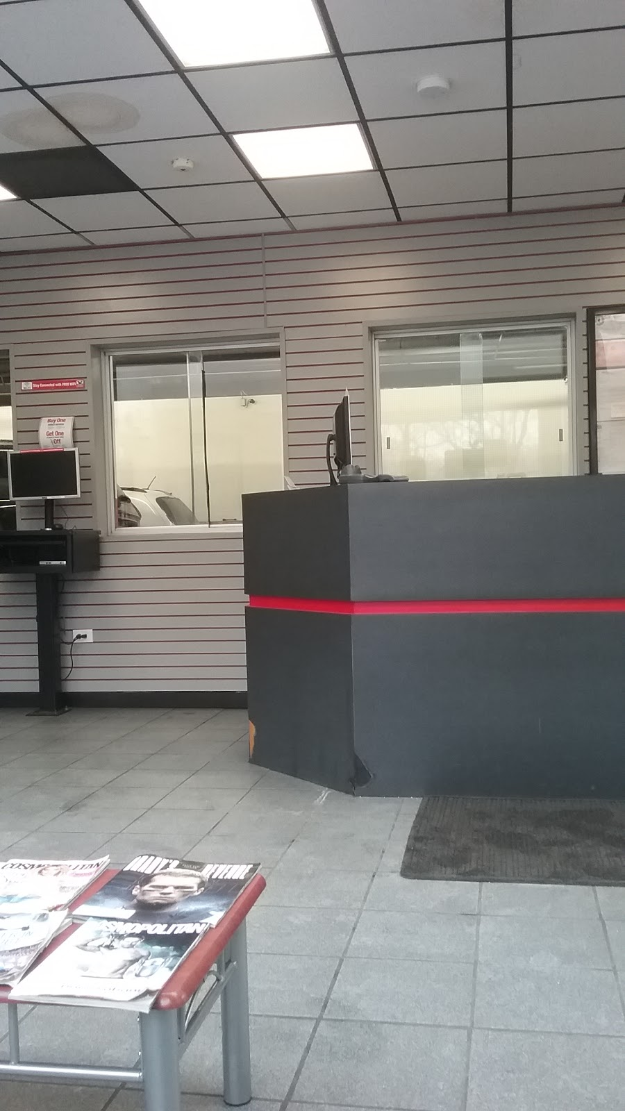 Valvoline Instant Oil Change - car repair  | Photo 3 of 10 | Address: 1229 Yonkers Ave, Yonkers, NY 10704, USA | Phone: (914) 776-0639