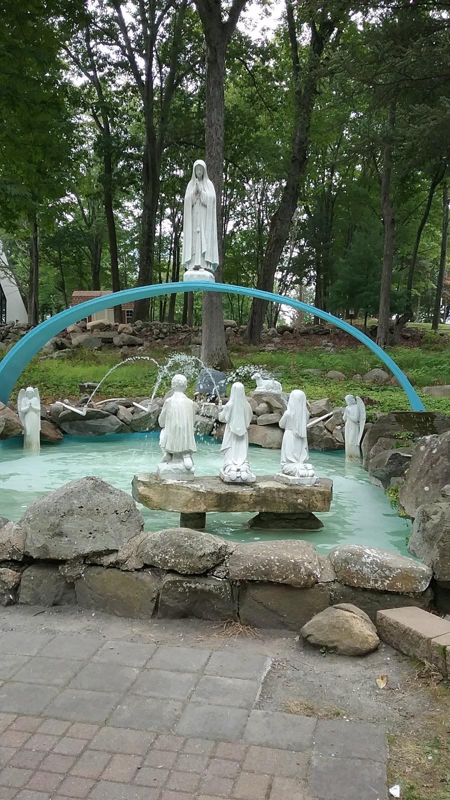 Mary Help Of Christians Catholic Chapel - church  | Photo 4 of 10 | Address: 174 Filors Ln, Stony Point, NY 10980, USA | Phone: (845) 947-2200