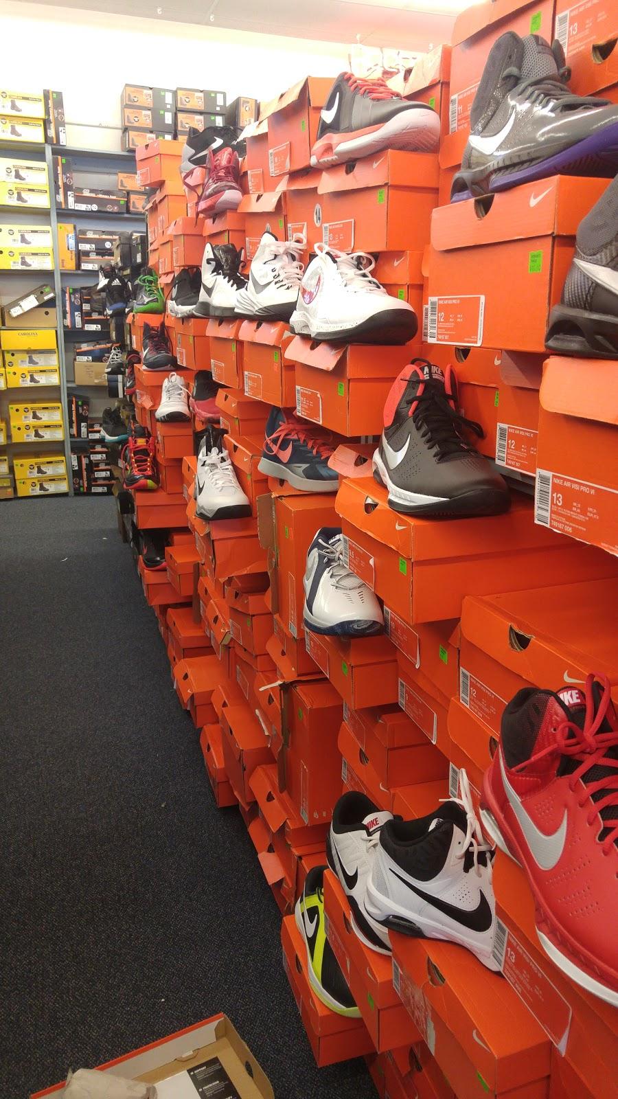Rogans Shoes - shoe store  | Photo 5 of 10 | Address: 649 S Taylor Dr, Sheboygan, WI 53081, USA | Phone: (920) 451-0188