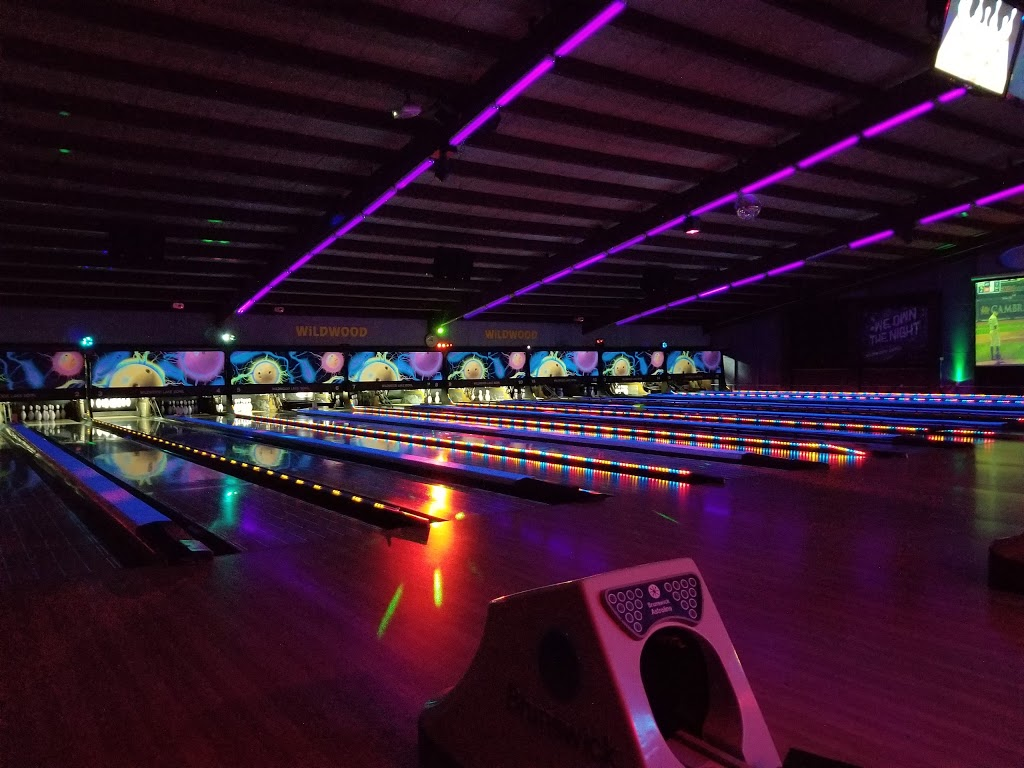 Wildwood Bowling Center - bowling alley  | Photo 2 of 10 | Address: 3951 Lake Ave, Riverhead, NY 11901, USA | Phone: (631) 727-6622