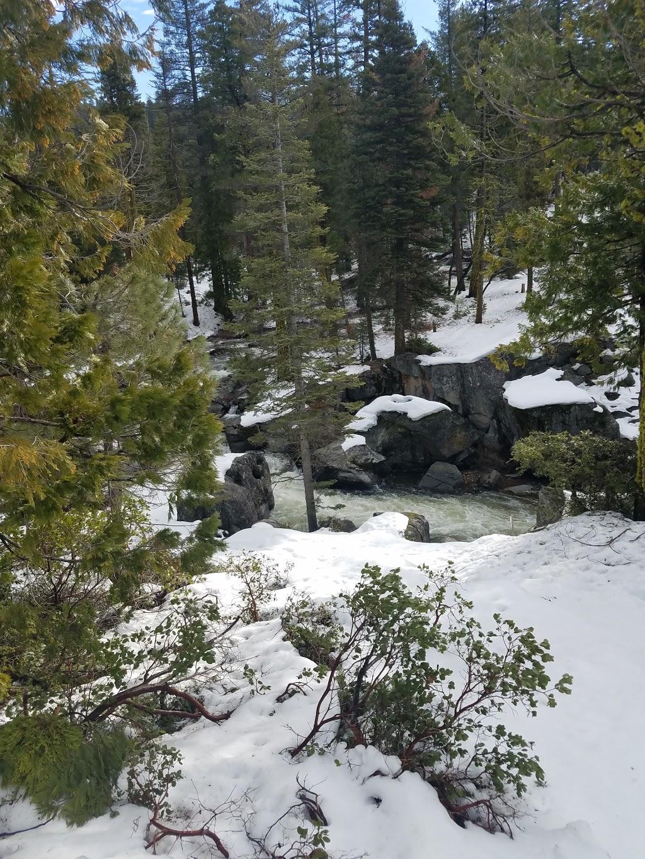 Cabin On The River - lodging  | Photo 5 of 8 | Address: 28757 Herring Creek Ln, Strawberry, CA 95375, USA | Phone: (800) 965-3884