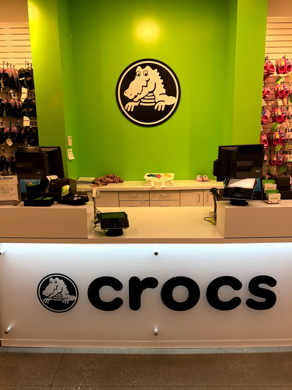 Crocs - shoe store  | Photo 7 of 9 | Address: 455 Trolley Line Blvd, Mashantucket, CT 06338, USA | Phone: (860) 383-2827