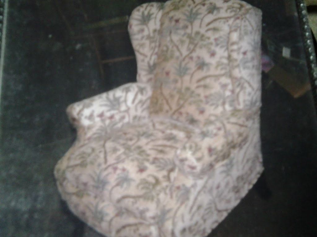 Upholstery - furniture store  | Photo 1 of 10 | Address: Liberty Hill, TX, USA | Phone: (512) 400-5447