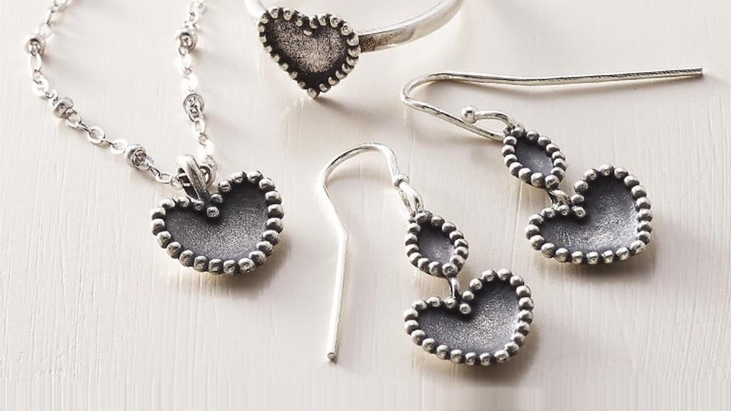 James Avery Artisan Jewelry - jewelry store    Photo 3 of 10   Address: 3050 Dowlen Rd Ste B, Beaumont, TX 77706, USA   Phone: (409) 860-4827