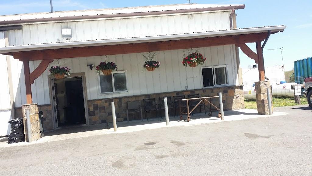 Dey Farm at Oliveira Acres - store  | Photo 4 of 10 | Address: 215 Dey Rd, Cranbury, NJ 08512, USA | Phone: (609) 395-0232