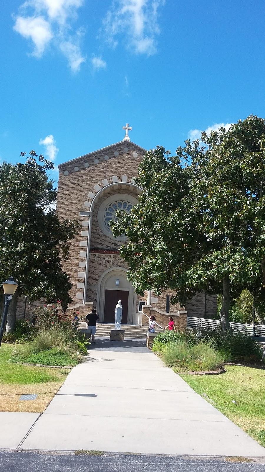 St Marys Church - church    Photo 6 of 10   Address: 816 Park Dr, La Porte, TX 77571, USA   Phone: (281) 471-2000