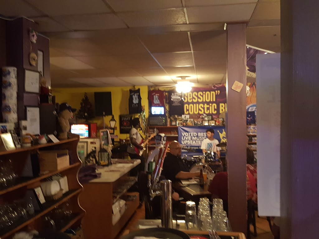 St Georges Country Store - restaurant  | Photo 9 of 10 | Address: 1 Delaware St, St Georges, DE 19733, USA | Phone: (302) 836-8202