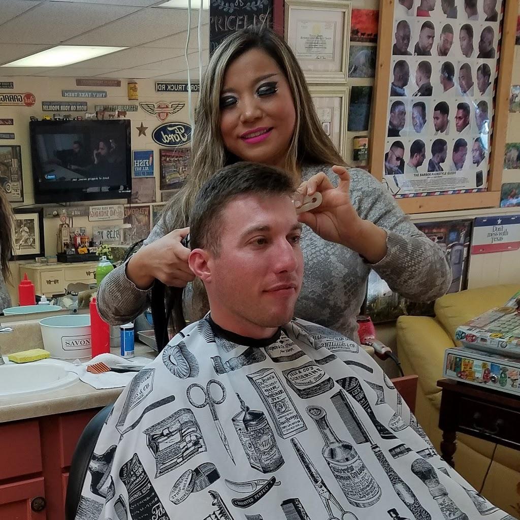 Chongs Barber Shop - hair care  | Photo 5 of 10 | Address: 1527 E U.S. 190, Copperas Cove, TX 76522, USA | Phone: (254) 833-1567
