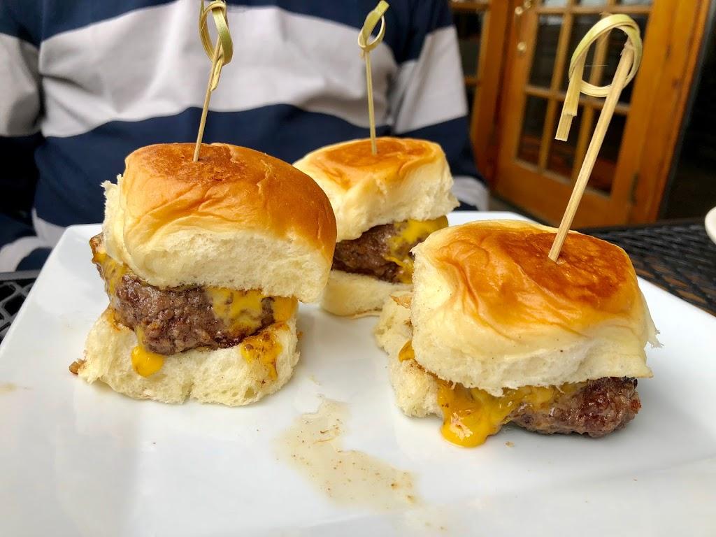 South Shore Bar & Grill - restaurant  | Photo 8 of 10 | Address: 225 Ellis St, Staten Island, NY 10307, USA | Phone: (718) 227-2258