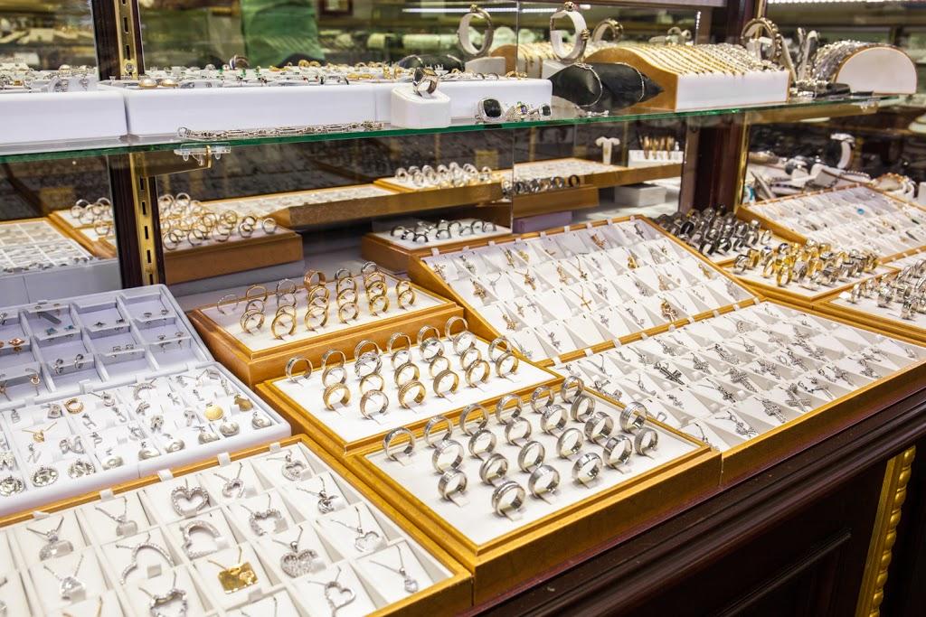 Lidyas Jewelry - jewelry store  | Photo 7 of 10 | Address: 515 River Rd, Edgewater, NJ 07020, USA | Phone: (201) 945-8985