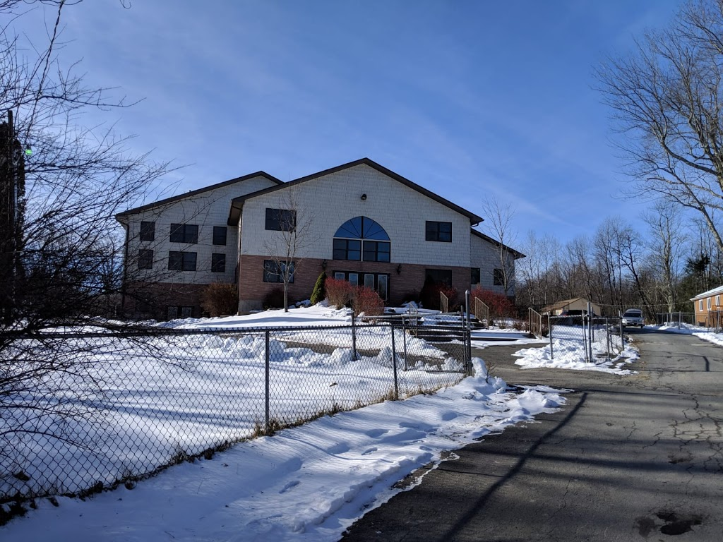 Chalet Hotel - lodging    Photo 4 of 8   Address: 54 Chesters Rd, Woodbourne, NY 12788, USA   Phone: (845) 434-5124